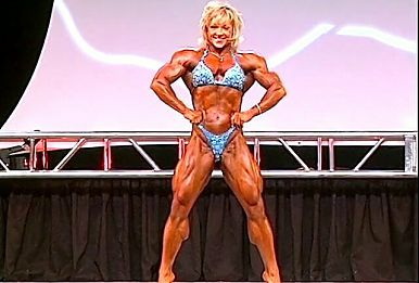 Lisa Aukland - Muscle GILF at 2007 Olympia